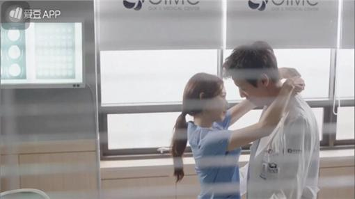 圖翻攝自Doctors - 닥터스臉書集截圖 金來沅 朴信惠 尹均相 李聖經