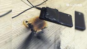 HTC充電爆1800