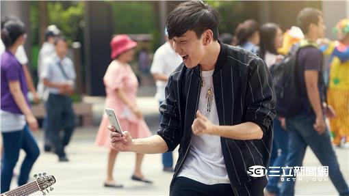 接棒金城武代言中華電信 林俊傑大爆真心話(圖/中華電)