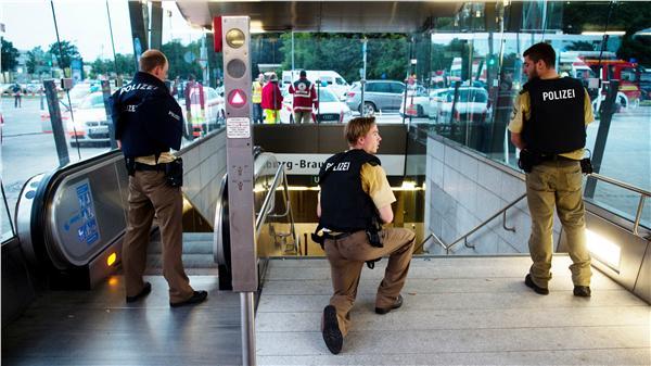 德國慕尼黑莫薩赫奧林匹亞購物中心槍擊(圖/美聯社/達志影像)