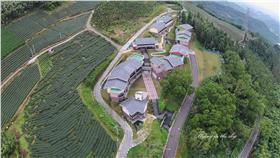 雲林縣立樟湖生態國民中小學,校區像台灣。(圖/取自飛翔在天際臉書)