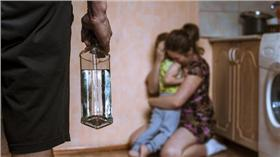 家暴,暴力,虐童 圖/shutterstock/達志影像