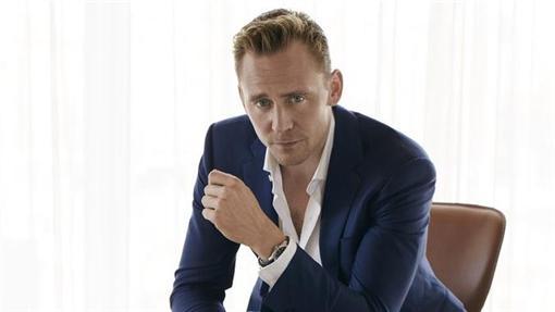 洛基,湯姆希德斯頓 翻攝自Wmagazine http://www.wmagazine.com/gallery/tom-hiddleston-photo-shoot-taylor-swift-james-bond-night-manager/all