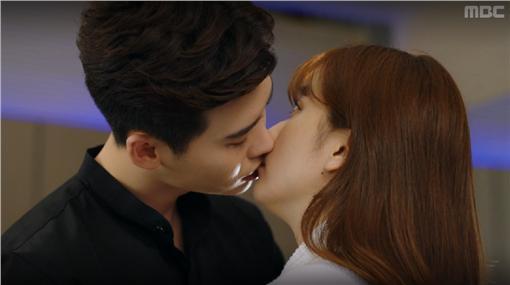 圖翻攝自MBC截圖 李鍾碩 韓孝珠