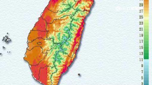 台北連5日高溫飆破38℃ 免費滑水道現人潮