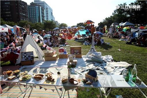 世界各國代表參與三立愛玩客世界野餐日(圖/記者邱榮吉攝)