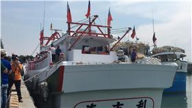 登太平島漁船返航台灣(圖/中央社)