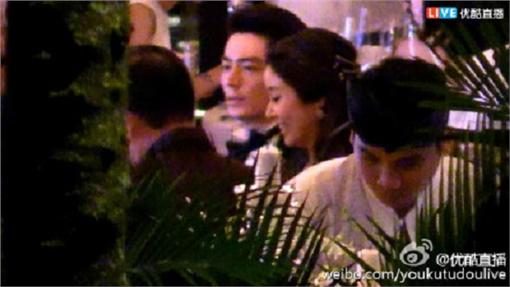 林心如,霍建華,婚禮(圖/翻攝自微博) http://tw.weibo.com/youkutudoulive/4003435873691700