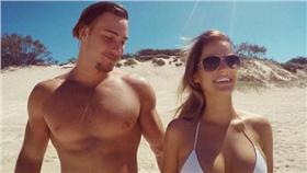 Karl Lawton,Rosie Van(圖/翻攝自Instagram) https://www.instagram.com/karl_loss_lawton/