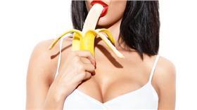 勃起,性功能,障礙,口交,吃香蕉 圖/shutterstock/達志影像