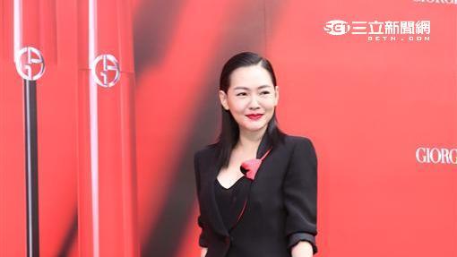 小S徐熙娣化身氣勢女王霸氣出席美妝品牌活動