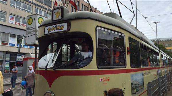 德國杜賽道夫推出環市的寶可夢輕軌電車。(圖/翻攝自Twitter)