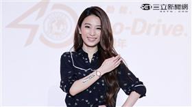 田馥甄Hebe一抹自信微笑,綻放都會女性溫柔的櫻花魅力。(記者邱榮吉/攝影)