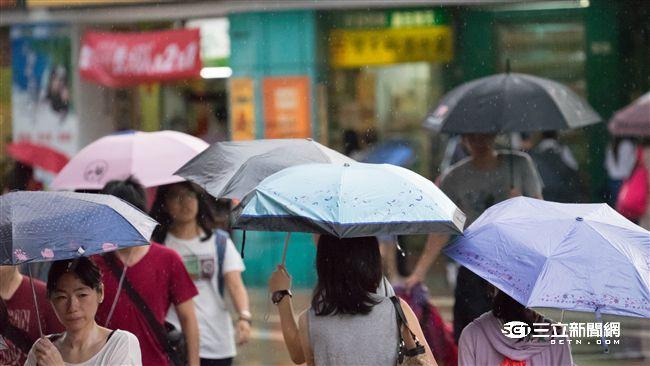 滯留鋒降雨!累積雨量圖「變紫」 鄭明典:非必要別去山區