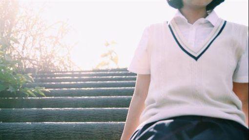制服,高中生,國中生,學生,學生妹(圖/翻攝自推特)