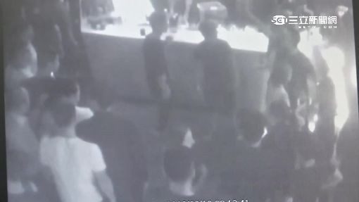 """幫大哥開道遭誤認助陣 夜店械鬥""""1死"""""""