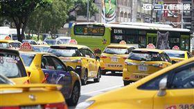 計程車司機包圍政院(圖/記者林敬旻攝)