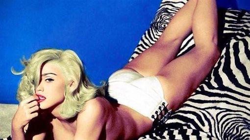 瑪丹娜-Madonna臉書-https://www.facebook.com/madonna/about/?entry_point=page_nav_about_item&tab=overview