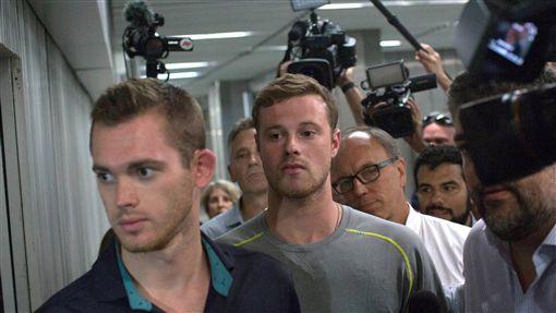 Jack Conger、 Gunnar Bentz美泳將、里約 奧運 洗劫 被搶 被逮捕 (AP)