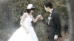 鬼澤夫婦,我們結婚了,鬼鬼,吳映潔,玉澤演-翻攝自Lstudio網站  http://ppt.cc/ct7q