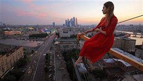俄羅斯美女自拍(圖/翻攝自angela_nikolau Instagram)