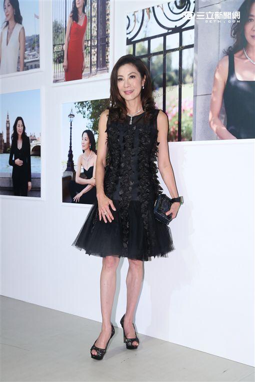 楊紫瓊來台出席高級珠寶品牌活動,笑稱來這選婚戒