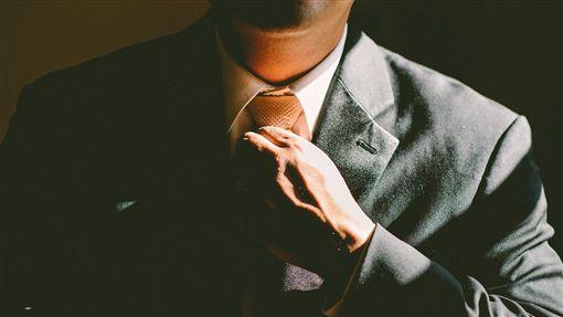 職場,上班族,西裝,男人,主管(圖/Pixabay)