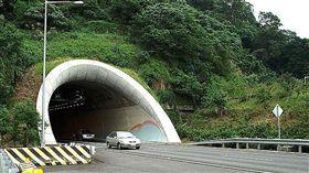 雪山隧道/維基百科 http://zh.wikipedia.org/wiki/File:Xueshan-tunnel-east.jpg