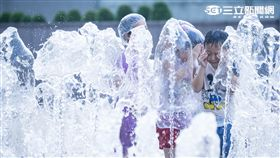 夏天,高溫,天氣,氣象,準氣象,玩水, 記者林敬旻攝