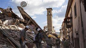 義大利,地震,罹難者,搜救,阿古莫里 圖/美聯社/達志影像