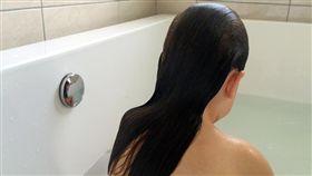 性侵,洗澡/Shutterstock