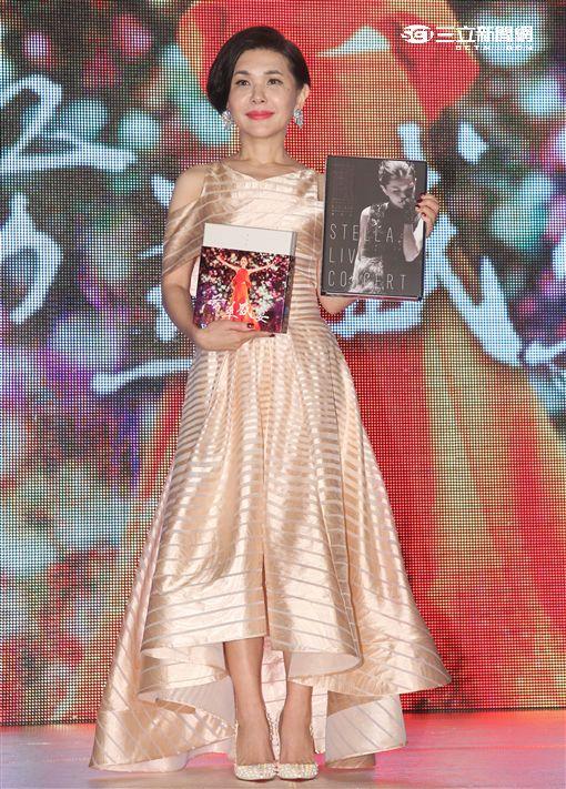 張清芳度過50歲生日,特別選在這天發行她30週年演唱會「芳華盛宴」BD、DVD,這也是老公宋學仁送她的生日禮物 。(記者邱榮吉/攝影)