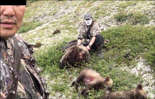 獵殺棕熊(圖/翻攝自The Siberian Times)
