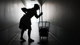 傭人,母女,重男輕女,家庭,不公平 圖/shutterstock/達志影像