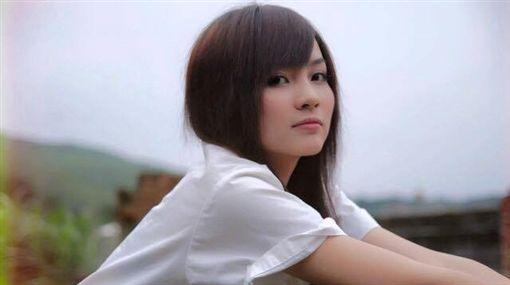 無名人氣正妹!杜妍曬17歲青澀照 勾起眾多網友的回憶。資料來源:杜妍臉書