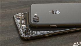 新色鋼琴黑 iPhone 7千萬別買32GB版本?(圖/翻攝applearab)