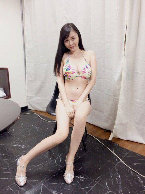 擁有G奶好身材的日本寫真女星杉原杏璃(圖/翻攝推特)