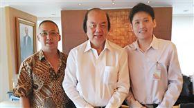印尼總統佐科威對台特使翁俊民(中)訪台,圖/中央社