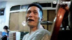 陳嫌在家大開毒趴遭警查獲暴鯉王吸食器(翻攝畫面)