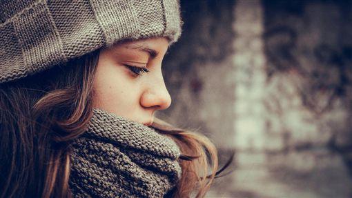 思考,沉思,憂鬱,情緒,女孩,女人,冬天▲圖/攝影者withbeautiful, Flickr CC Licensehttp://goo.gl/GjL6KY