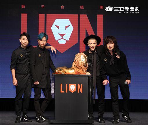 「獅子合唱團」蕭敬騰親自打造充滿爆發力全新專輯正式發行。(記者邱榮吉/攝影)