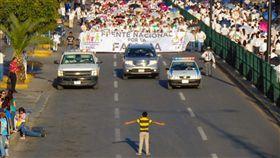 墨西哥反同志遊行(圖/翻攝自Manuel Rodriguez Twitter)