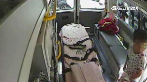 6旬婦「停車變撞車」 衝進藥局撞傷一家人