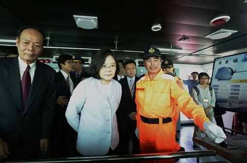 蔡英文參加台東艦屏東艦成軍典禮 圖/總統府提供