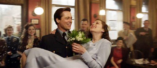 安潔莉娜裘莉(Angelina Jolie)布萊德彼特(Brad Pitt)瑪莉詠柯蒂亞(Marion Cotillard) 圖/達志
