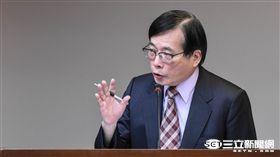 勞動部長郭芳煜 圖/記者林敬旻攝