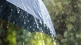 下雨,雨天,傘(圖/shutterstock/達志影像)