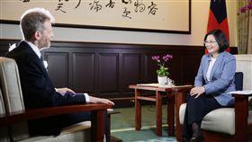 蔡英文接受華爾街日報專訪 總統府提供