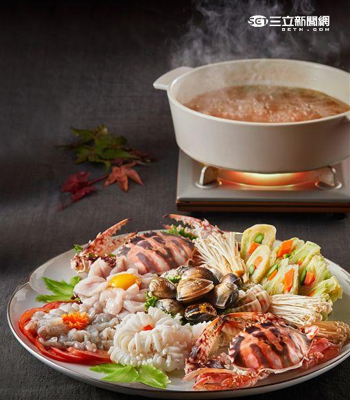 台北美福螃蟹料理:萬里蟹菊花鍋。(圖/公關照)