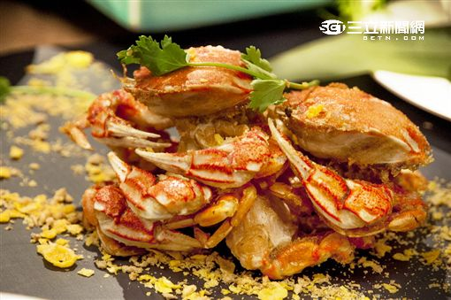 台北凱薩蟹GO:避風塘牛角蟹。(圖/公關照)